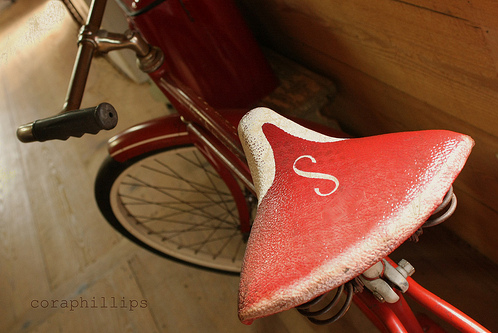 An old Schwinn from Cora's photo collection on Flickr!
