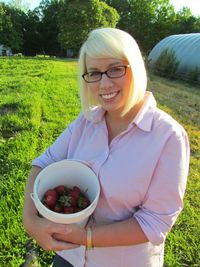 05-06-11, Strawberry Picking at Dansby's Farm (1)