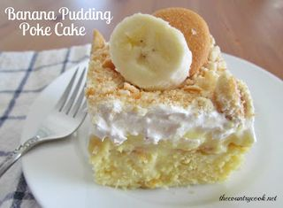 Banana+Pudding+Poke+Cake+(with+graphics,+thecountrycook.net)