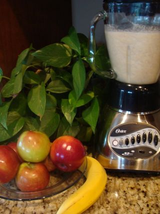 Apple-banana-smoothie-001-768x1024