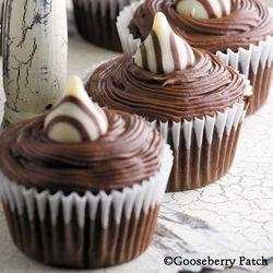 2-KissCupcakes