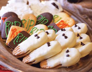 Gooseberry Patch Ghost Cookies