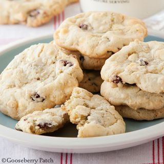 Gooseberry Patch Cranberry Vanilla Chip Cookies Recipe
