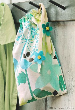 DIY Tea Towel Drawstring Bag from Gooseberry Patch