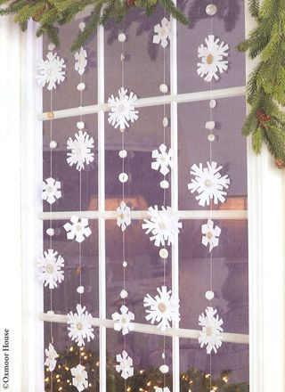 DIY Window Snowflake Garland with pattern | See all 5 snow day crafts from Gooseberry Patch!