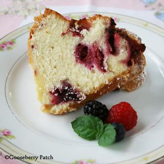 BurstingBerriesBundt